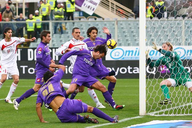 Fiorentina-Bari: un'occasione mancata da Gilardino nel primo tempo (Fornasari)