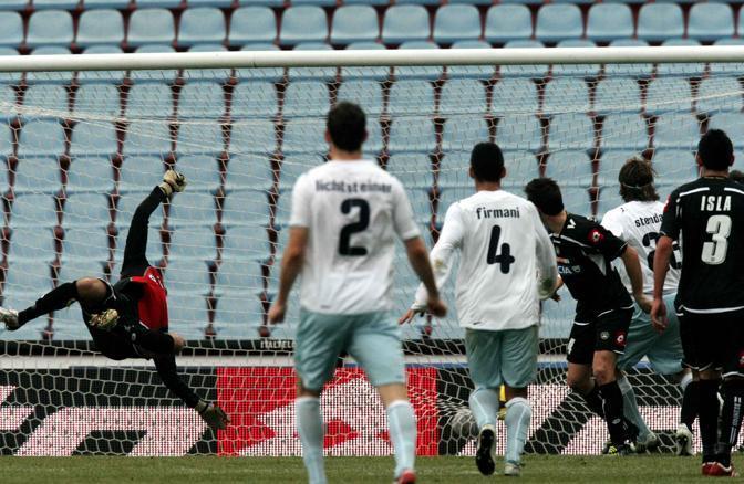Udinese-Lazio: Sergio Floccari segna il gol del momentaneo vantaggio della Lazio (Ap)
