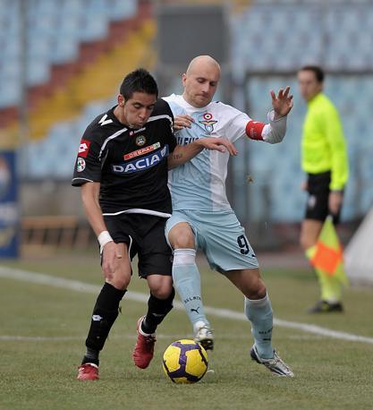 Udinese-Lazio: contrasto tra Rocchi e Raccamarini (Ap)