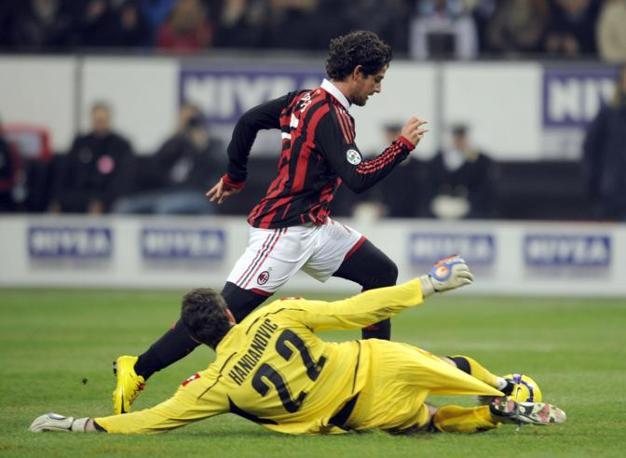 Milan-Udinese: Pato lascia a terra il portiere ma non segna (Ap)