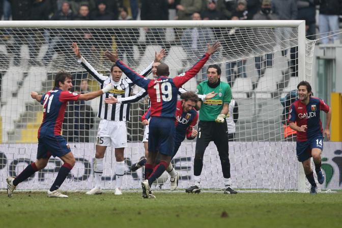 Juventus-Genoa 3-2: l'esultanza di Marco Rossi dopo la sua seconda rete, che aveva riportato il Genoa in parità (Lapresse)