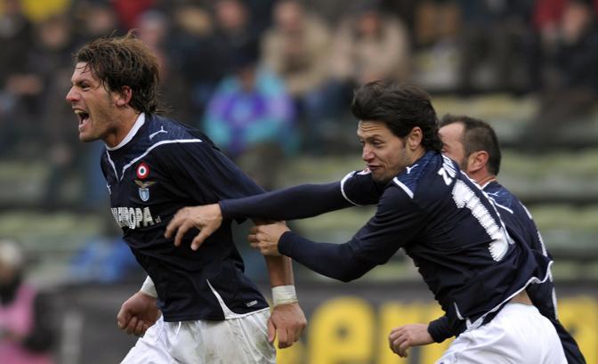 Parma-Lazio 0-2: Stendardo dopo il primo gol dei biancocelesti (Ap)