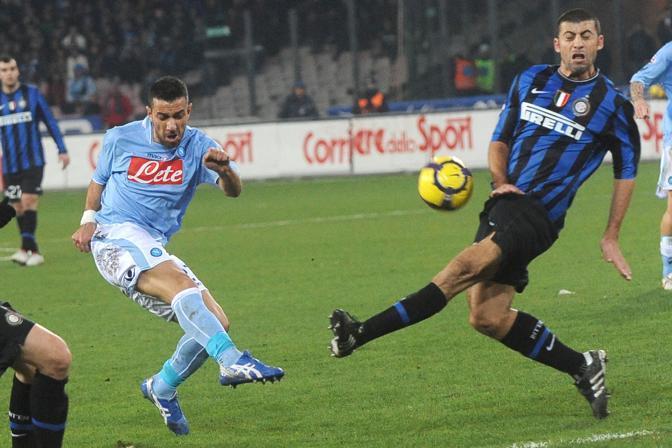 NAPOLI-INTER 0-0: Quagliarella al tiro (Ansa)