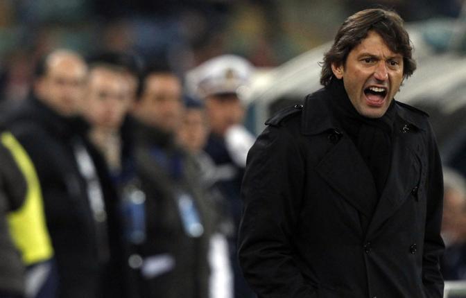 Bari- Milan: la grinta di Leonardo. Galliani ha detto che non c'è alcuna polemica tra il tecnico e Berlusconi e il caso è chiuso (Alessandro Bianchi/Reuters)