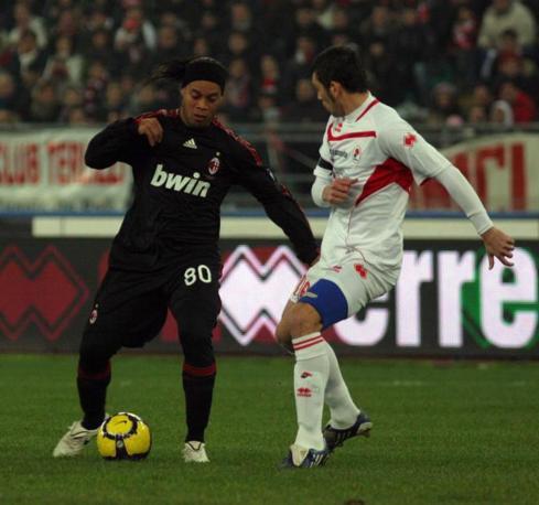 Bari- Milan:  Ronaldinho e Donati (Donato Fasano/LaPresse)