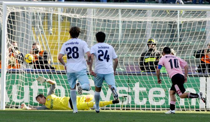 Palermo-Lazio: il gol di Miccoli (Ap)
