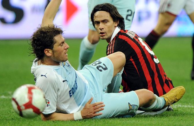 Milan-Lazio 1-1: Inzaghi a terra dopo un contrasto con Stendardo (Ansa)