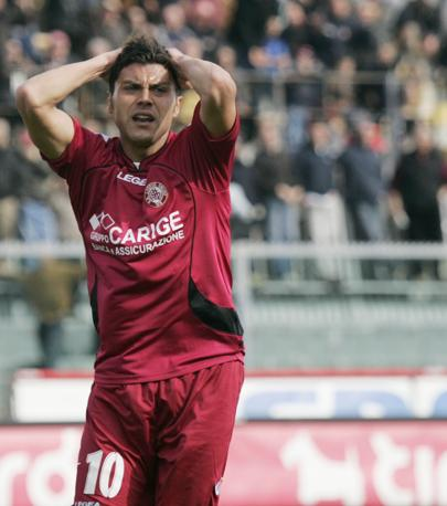 Livorno-Bari 1-1: Francesco Tavano ha dato il pareggio nel finale ai toscani (Ap)