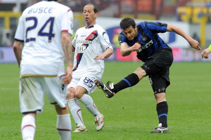 Inter-Bologna: il tiro-gol di Thiago Motta, autore di una doppietta (Ap)