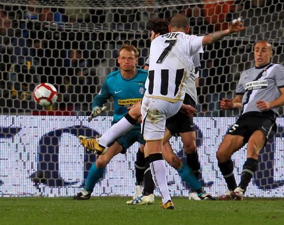 Udinese-Juventus:  il gol di Simone Pepe (Ap)