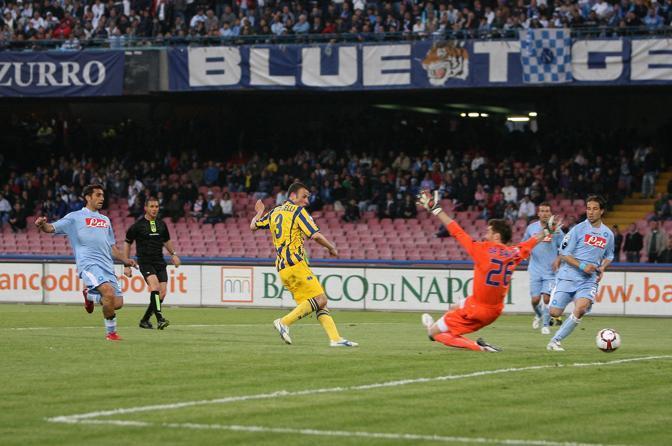 Napoli-Parma: Antonelli realizza il primo gol degli emiliani (Ianuale)