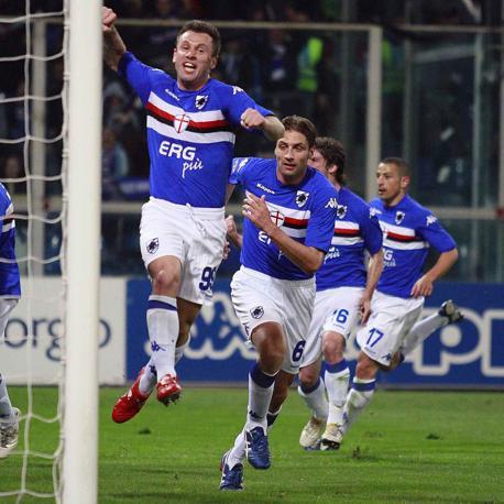 Sampdoria-Genoa 1-0: L'esultanza di Cassano, autore del gol della vittoria (Lapresse)