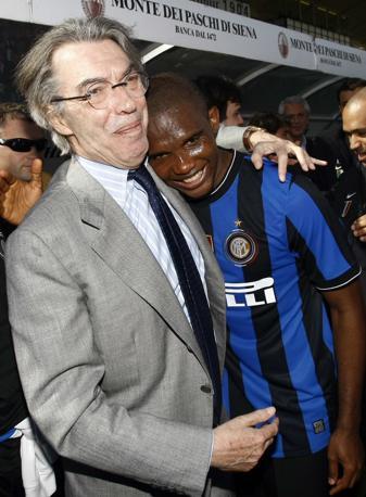 Moratti con Eto-o (Reuters)
