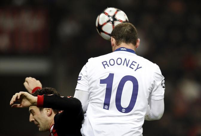 Milan-Manchester United: nella ripresa sale in cattedra Rooney, che realizza due gol di testa (Giampiero Sposito/Reuters)