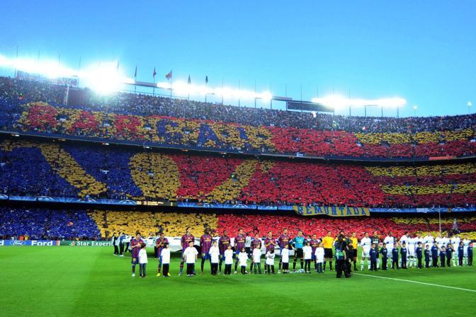 Barcellona-Inter: le squadre schierate a centrocampo prima della grande sfida (Image)