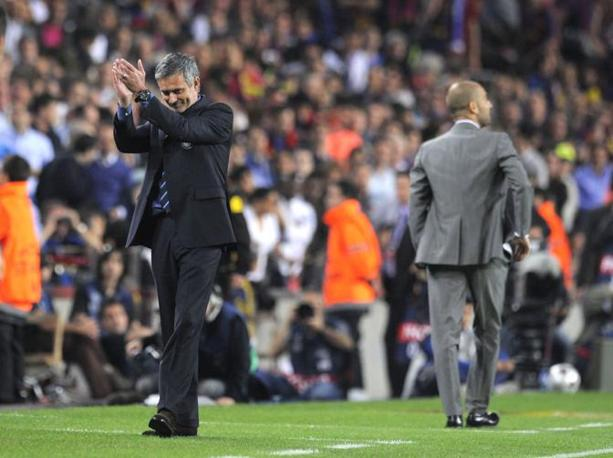 L'applauso ironico di Mourinho (Photoviews)