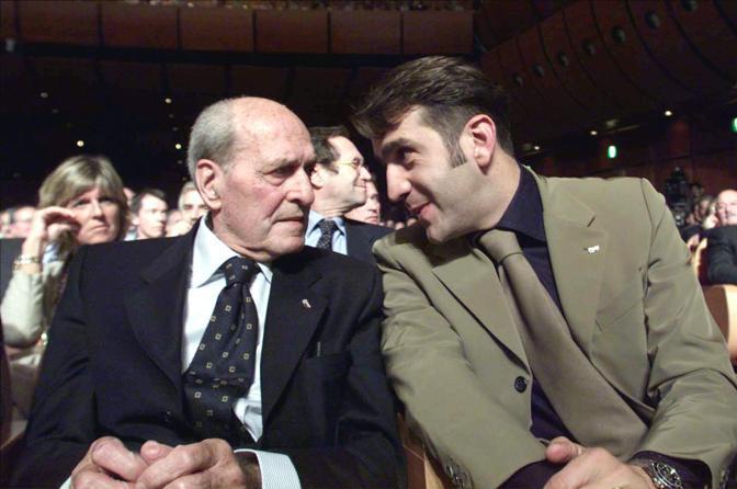 2001: il ct azzurro con l'x ect mito dell'Italia del pedale Alfredo Martini (Ansa)