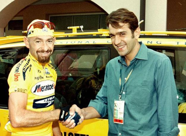 Con Marco Pantani in una foto del 2001 (Ap)