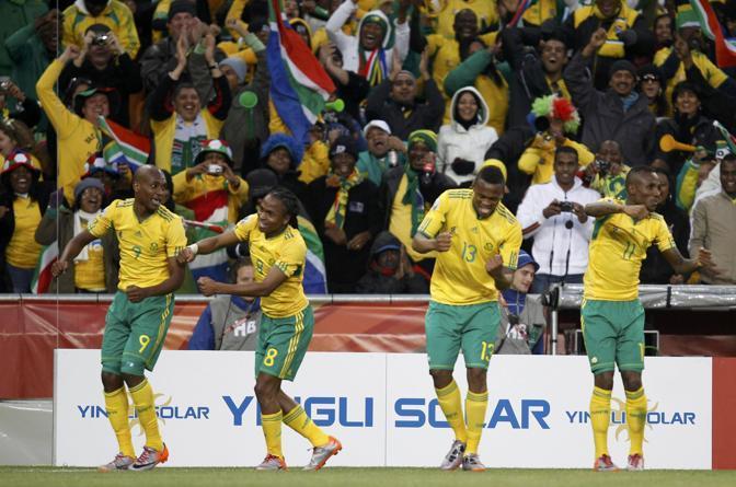 I Bafana Bafana esultano (Reuters/Kai Pfaffenbach)