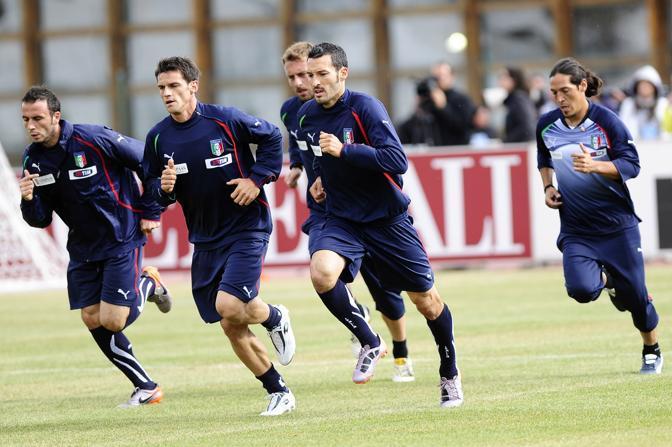 Gianpaolo Pazzini, Cristian Maggio, Daniele De Rossi, Gianluca Zambrotta e Mauro German Camoranesi (Ap)