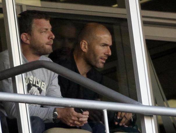Slovenia-Algeria:  Zidane in tribuna assiste alla partita (Ap)