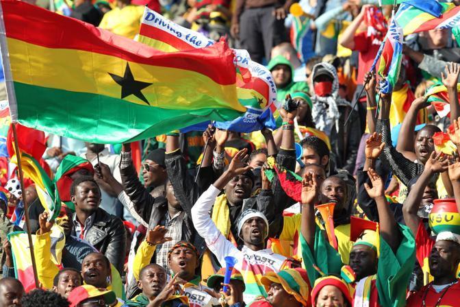 Ghana-Serbia: Spettacolo sugli spalti (Epa)