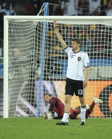 Germania-Australia: il terzo sigillo tedesco è del giovane Thomas Müller (Epa/Daniel Dal Zennaro)