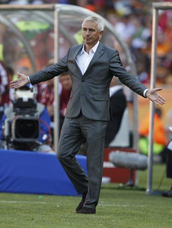 Stesso stile per Bert van Marwijk, l'allenatore dell'Olanda (Reuters)