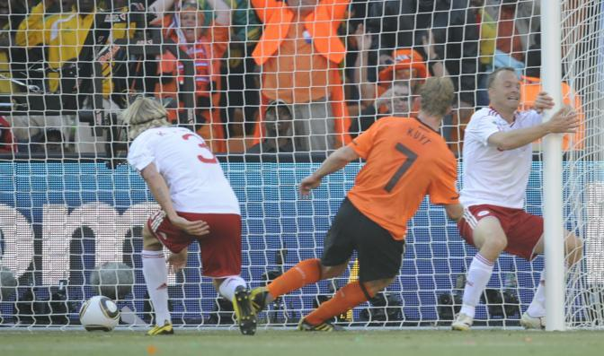 Olanda-Danimarca: Kuyt segna il 2-0 (Afp/Garcia)