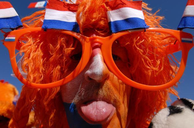 Olanda-Danimarca: un tifoso olandese (Afp/Bhuiyan)