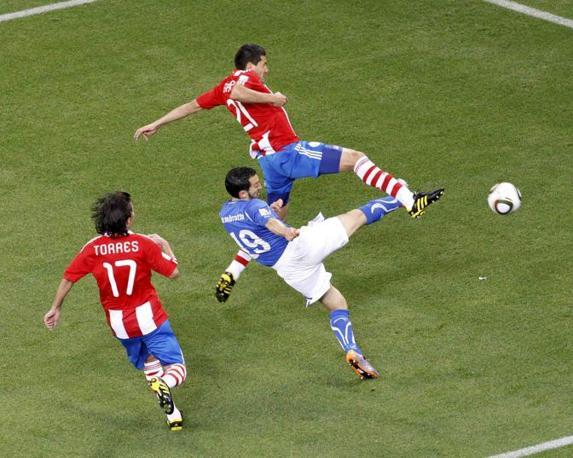 Gianluca Zambrotta anticipato da Alcarez (Reuters)