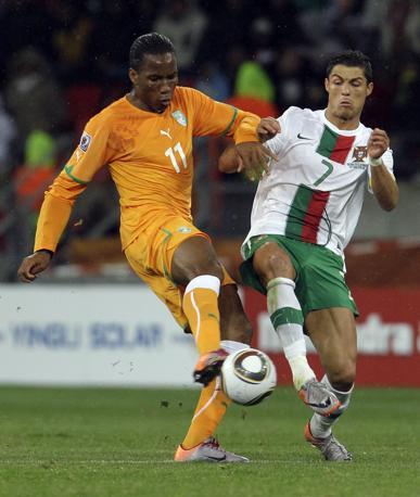 Portogallo-Costa d'Avorio: Drogba e Ronaldo  (Ap/Roberto Candia)
