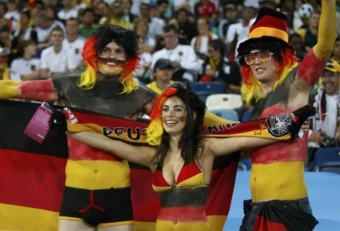 "Ed ecco una scatenata ""ultrà"" tedesca (Reuters)"