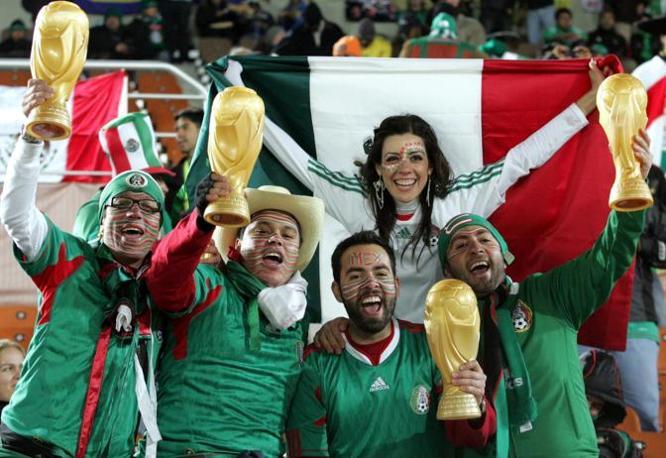 Sugli spalti fanno festa i messicani (Ap)