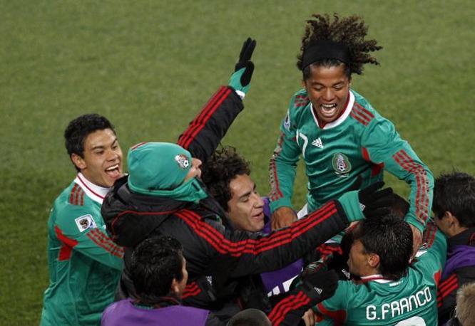 I messicani invece sono con un piede agli ottavi (Epa)