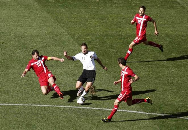 Germania-Serbia 0-1: Klose, al centro (Reuters)