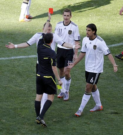 Germania-Serbia 0-1: cartellino rosso per Klose (Reuters)