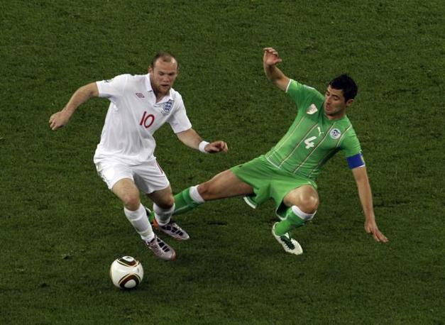 Inghilterra-Algeria 0-0: Wayne Rooney in azione (Ap)