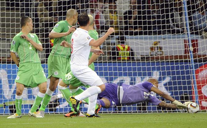 Inghilterra-Algeria 0-0: Rais M Bolhi frena l'Inghilterra (Epa)
