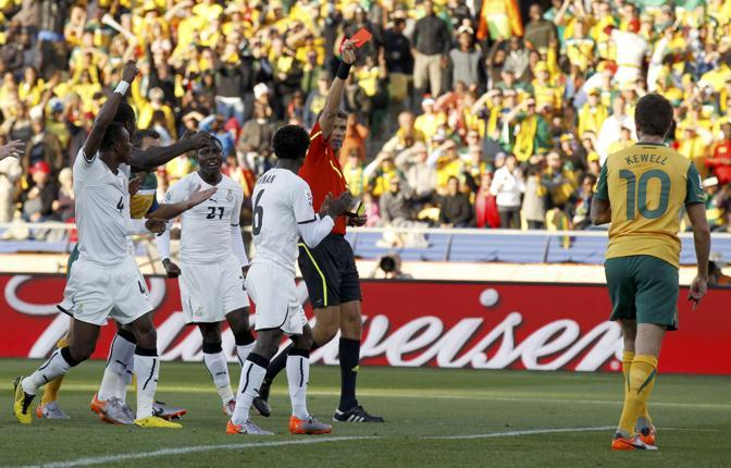 Ghana-Australia 1-1: l'espulsione di Keller al 24' (Reuters)