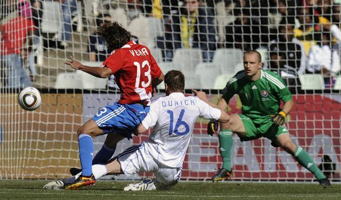 Slovacchia-Paraguay 0-2: il gol di Vera (Ap)