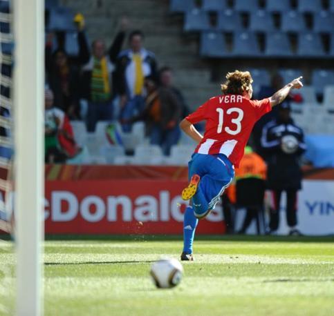 Slovacchia-Paraguay 0-2: Vera esulta (Afp)