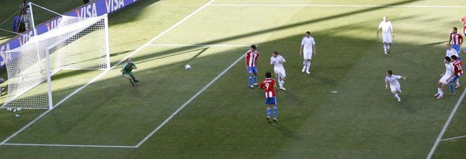 Slovacchia-Paraguay 0-2: il secondo gol del Paraguay, a firma Riveros (Reuters)