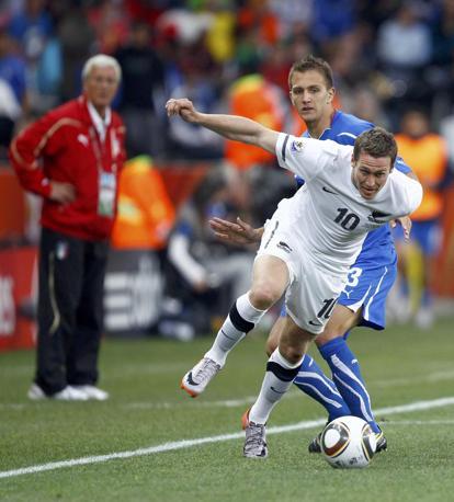 Italia-Nuova Zelanda, secondo tempo: Killen va via a Criscito (Reuters)