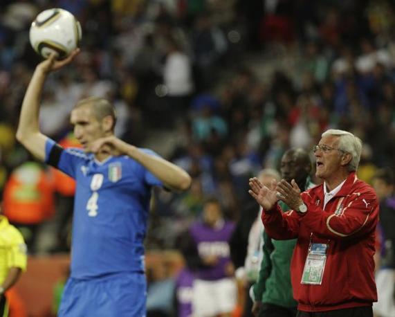 Italia-Nuova Zelanda, secondo tempo: Lippi incita Chiellini (Ap)