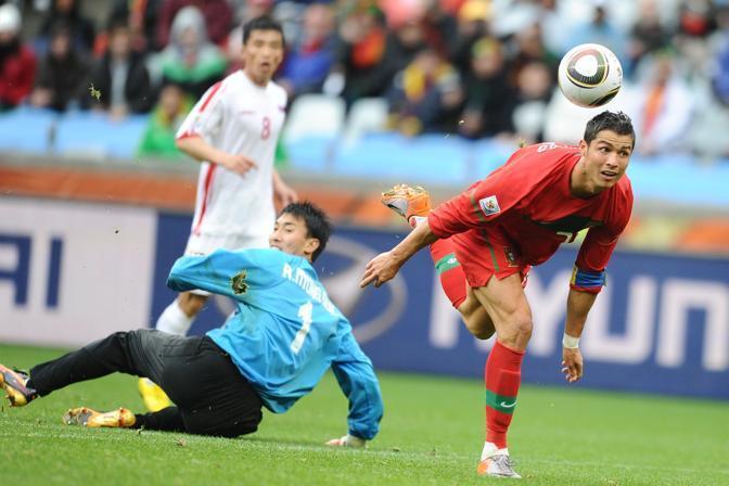 Cristiano Ronaldo mette il sigillo sul 7-0 dei lusitani (Afp)
