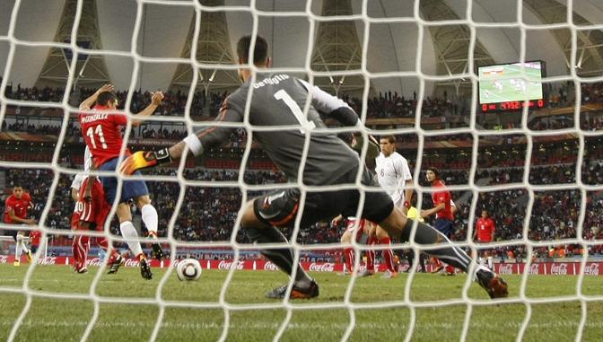 Il gol decisivo del cileno Mark Gonzales (Reuters)