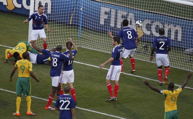 Francia-Sudafrica 1-2: il gol di Khumalo (Reuters)