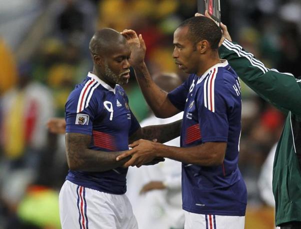 Francia-Sudafrica 1-2: Thierry Henry entra in sostituzione di Djibril Cissé (Reuters)