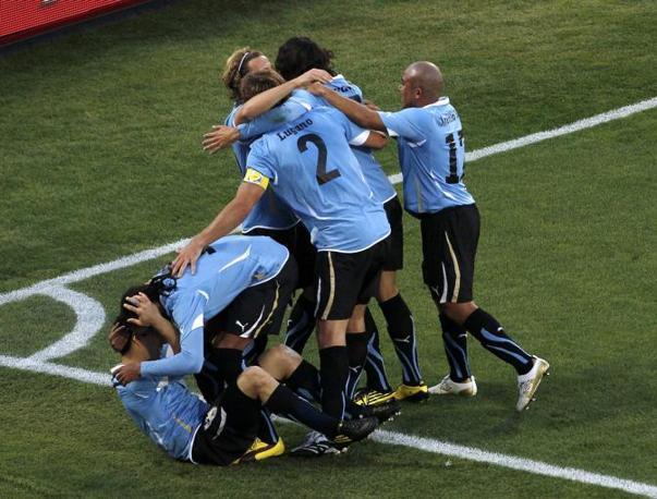 Messico-Uruguay 0-1: la gioia degli uruguayani (Reuters)